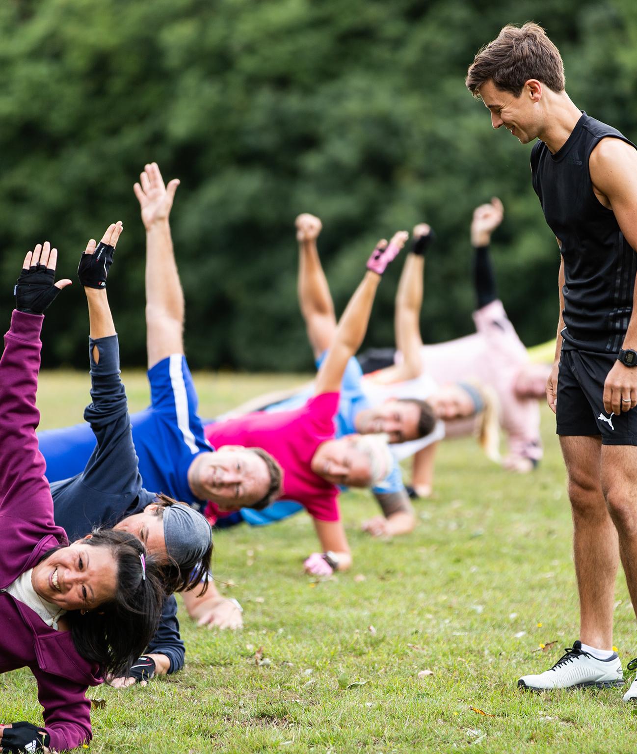 Chislehurst Fitness - Group Fitness Bootcamp - Side plank